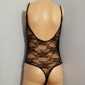 🎃🍭 5 for $25 🍭 LACE BACK BODYSUIT MEDIUM